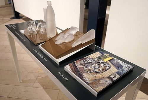 """Tastmodell Gläserstillleben von christopher Lehmpfuhl in der Sonderausstellung """"Farbrausch"""" © VG Bild-Kunst, Bonn 2021, www.bildkunst.de  Bild 6:"""